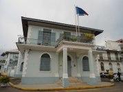 1920px-Embajada_de_Francia_en_Panamá_(2011)