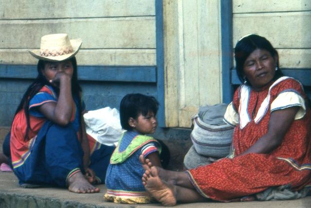 Indienne et enfants.jpg