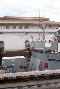 USS_Talbot_(FFG-4)_ASROC_Panama_Canal