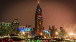 Christmas-Lights-Across-Canada-on-Parliament-Hill-DSC_8022-Credit-James-Peltzer