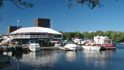 Dows_Lake_at_summer_by_Wilder