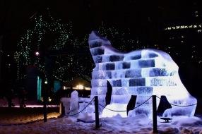 Ice-sculptured-Polar-Bear-Winterlude-Ottawa