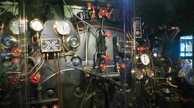 Ottawa-locomotive-dashboard.jpg