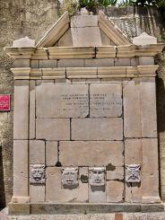Gibraltar_aqueduct_fountain