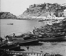 Almunecar, barques pêche et chateau