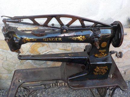 mesa-con-maquina-de-coser-de-zapatero-de-singer-siglo-xix-imagen-5