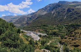 Parc-national-de-la-sierra-nevada-Village-de-trevelez-dans-les-alpujarras-de-sierra-nevada